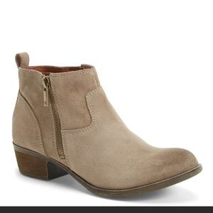 Lucky brand suede taupe 6.5 ankle booties new